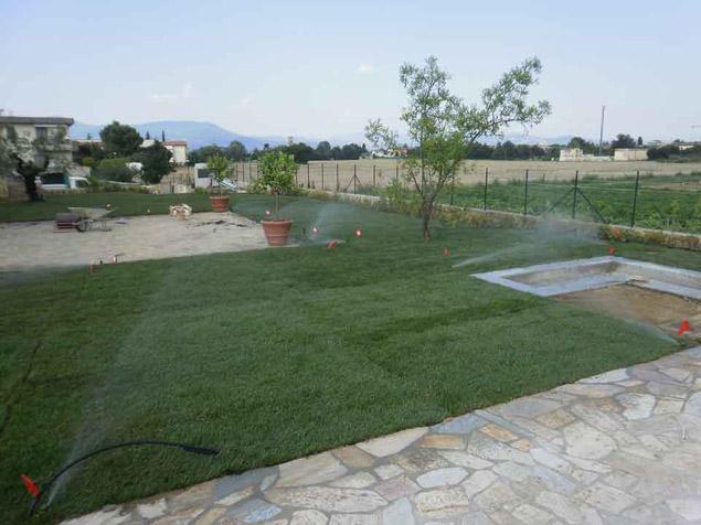 Lavori di giardinaggio a firenze realizzazione e for Realizzazione giardini firenze